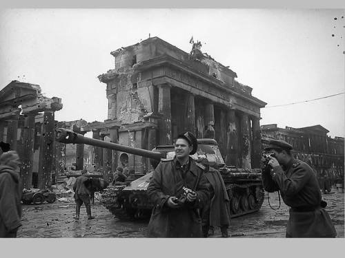 Brandenburg Gate, 1945. Tourists. Of the Soviet persuasion.
